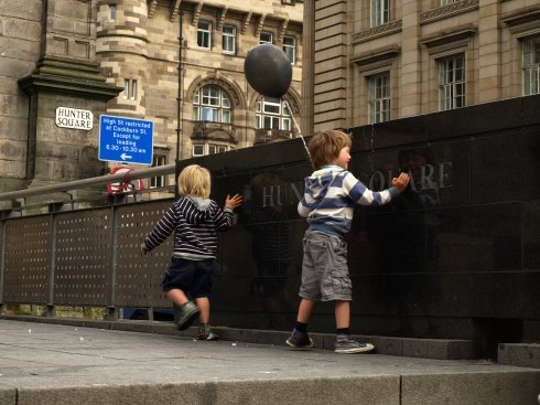 Edinburgh children play